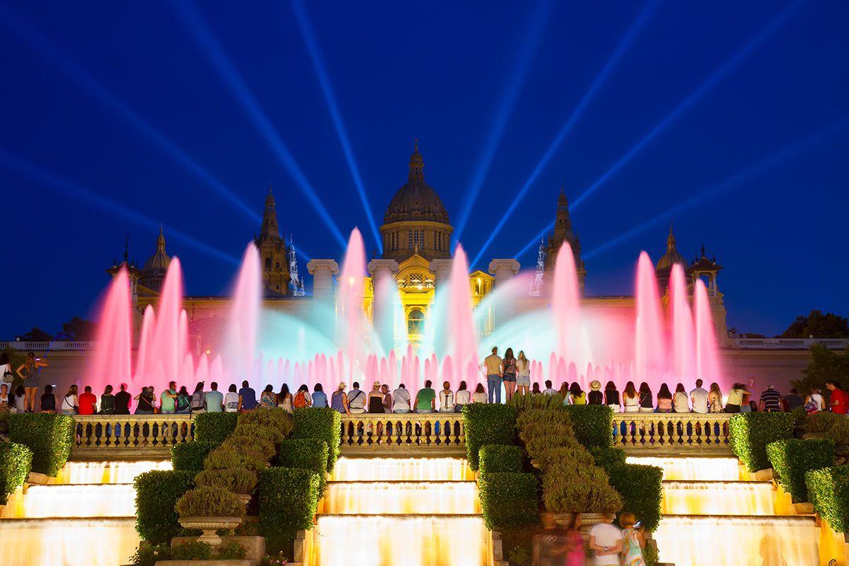 Magic Fountain Montjuïc hur tillbringar vi 48 timmar i barcelona, gaudi, shopping, mat, tapas, sagrada familia, biljetter, park guell, las ramblas, placa reial