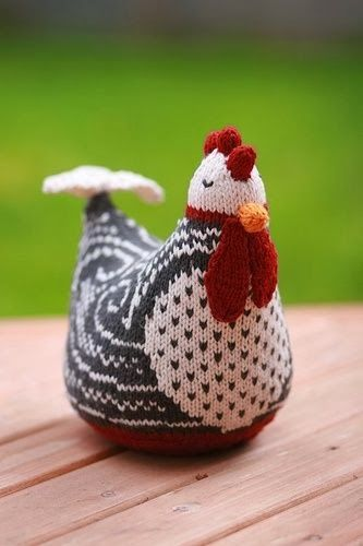 Nice knitted chicken by Ellen M., who took Susan B. Anderson\'s basic ...