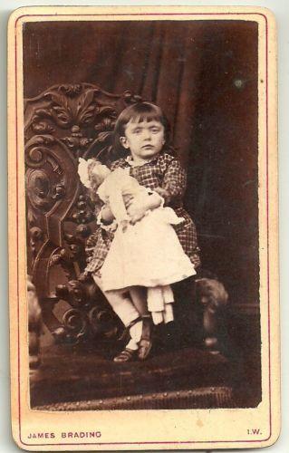 Victorian-cdv-photo-small-girl-Doll-Newport-Isle-of-Wight-photographer