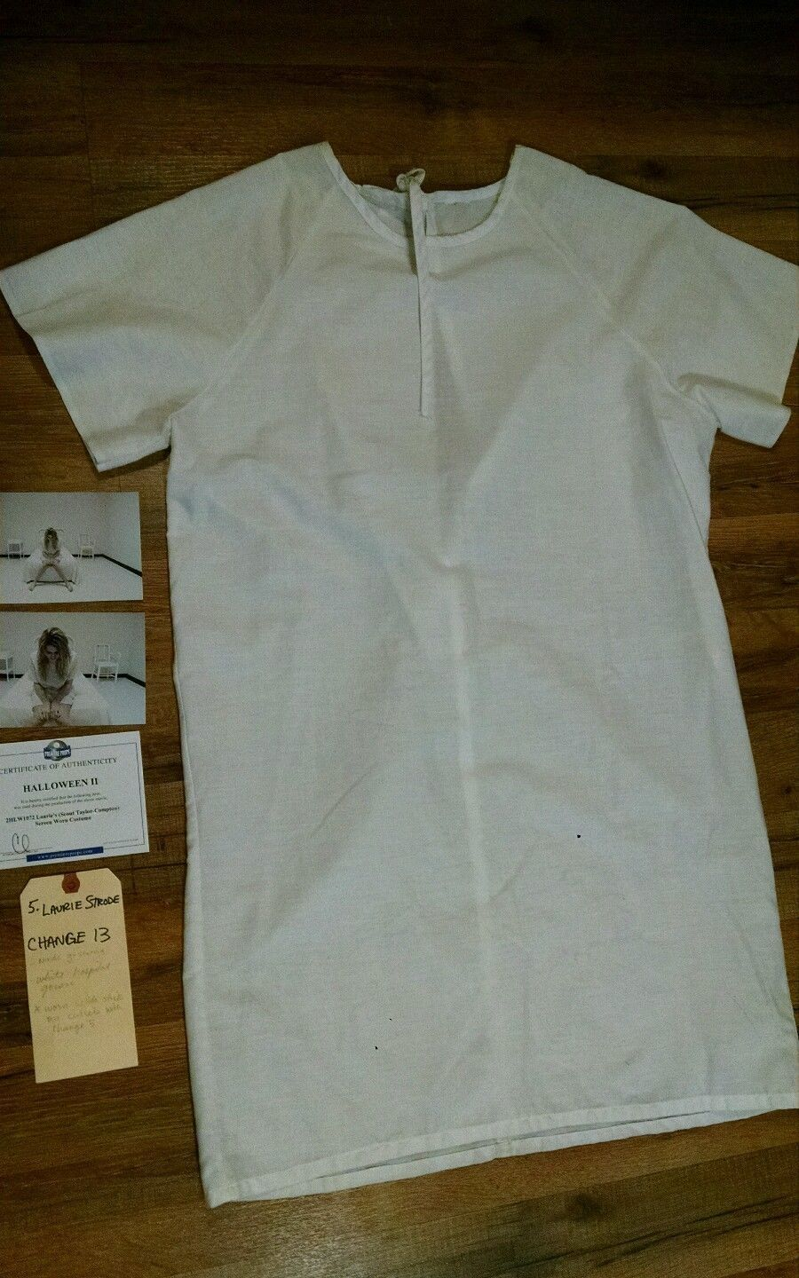 Laurie Strode Halloween hospital gown at the last scene in the H2 ...