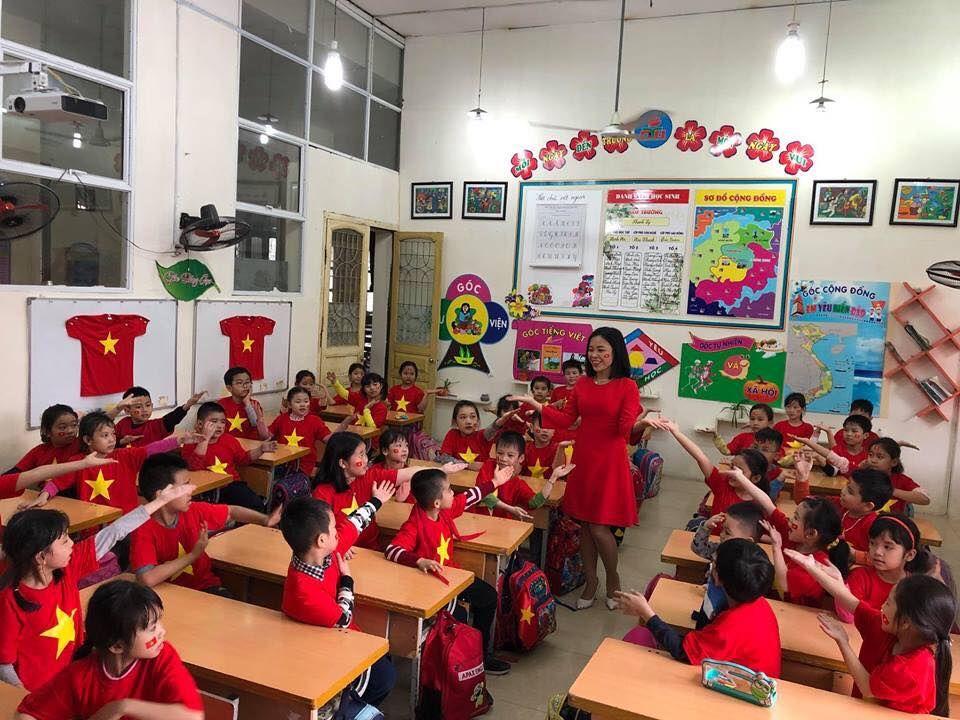 Áo cờ đỏ sao vàng trường tiểu học Đinh Tiên Hoàng - Hình 3