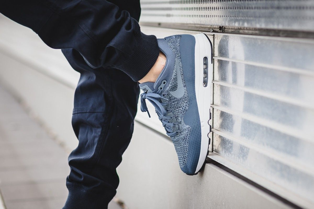 air max flyknit 2.0 jeans