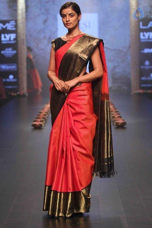 ee239e12596 Santosh Parekh collection Silk Saree Kanchipuram