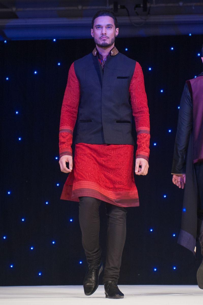 Red black jodhpuri style kurta by manish malhotra courtesy shahid