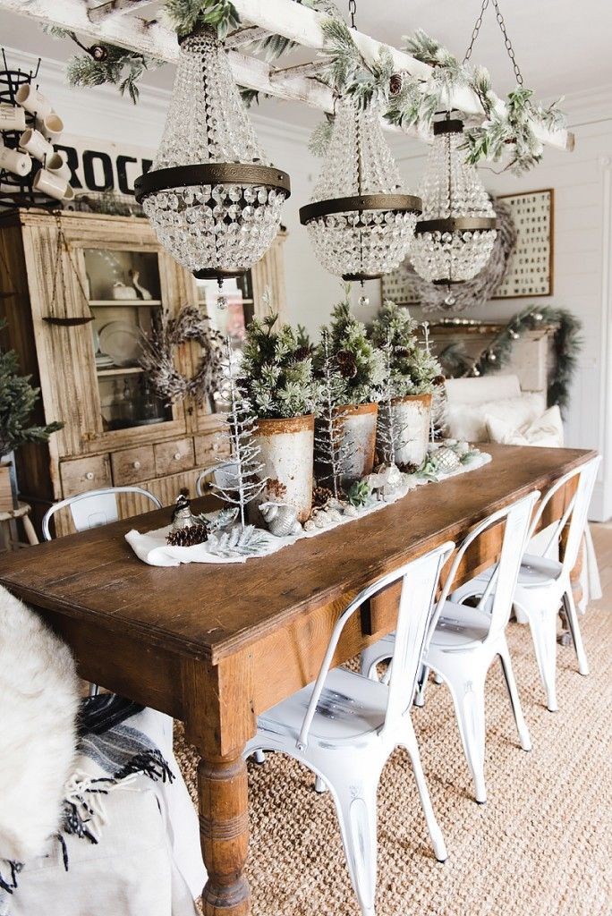 Rustic Glam Farmhouse Christmas Dining Room With Images Christmas Dining Room Farmhouse Dining Rooms Decor Rustic Dining Room