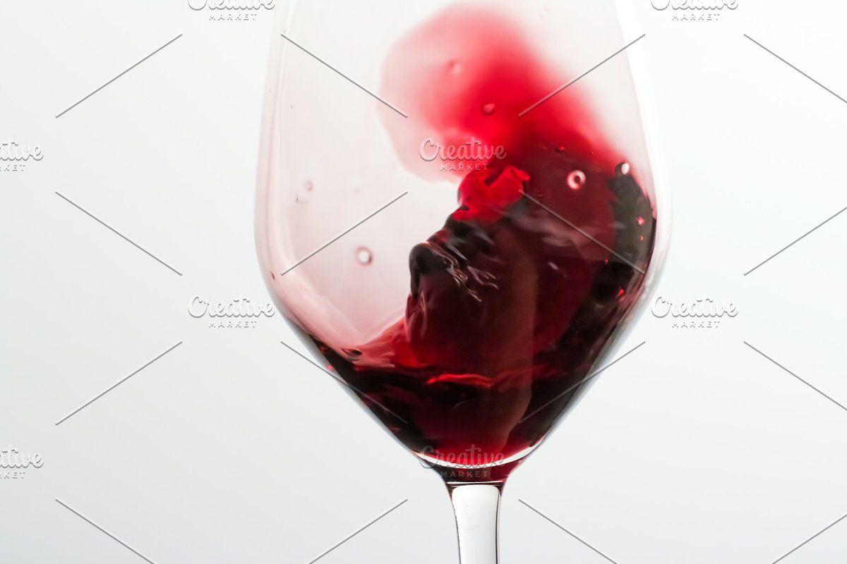 Glass Of Red Wine Wine Tasting In 2020 Red Wine Wine Tasting Red Drinks