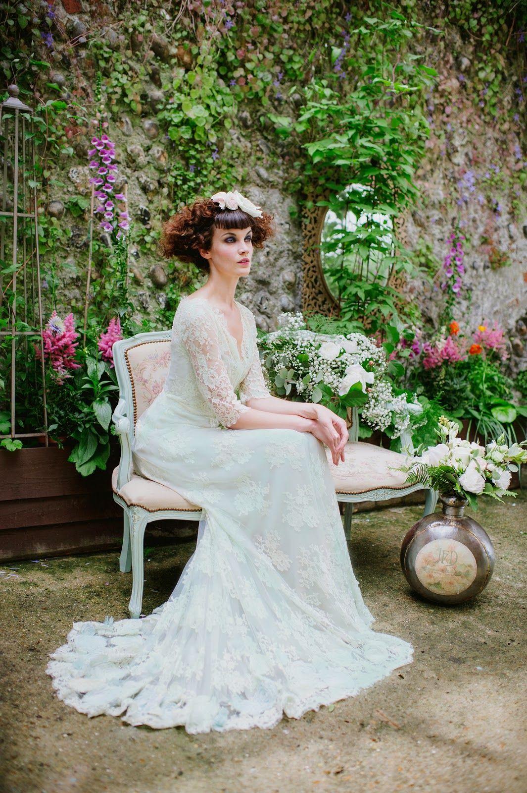 Edwardian wedding dress  Joanne Fleming Design uLangtryuafoam French lace and silk