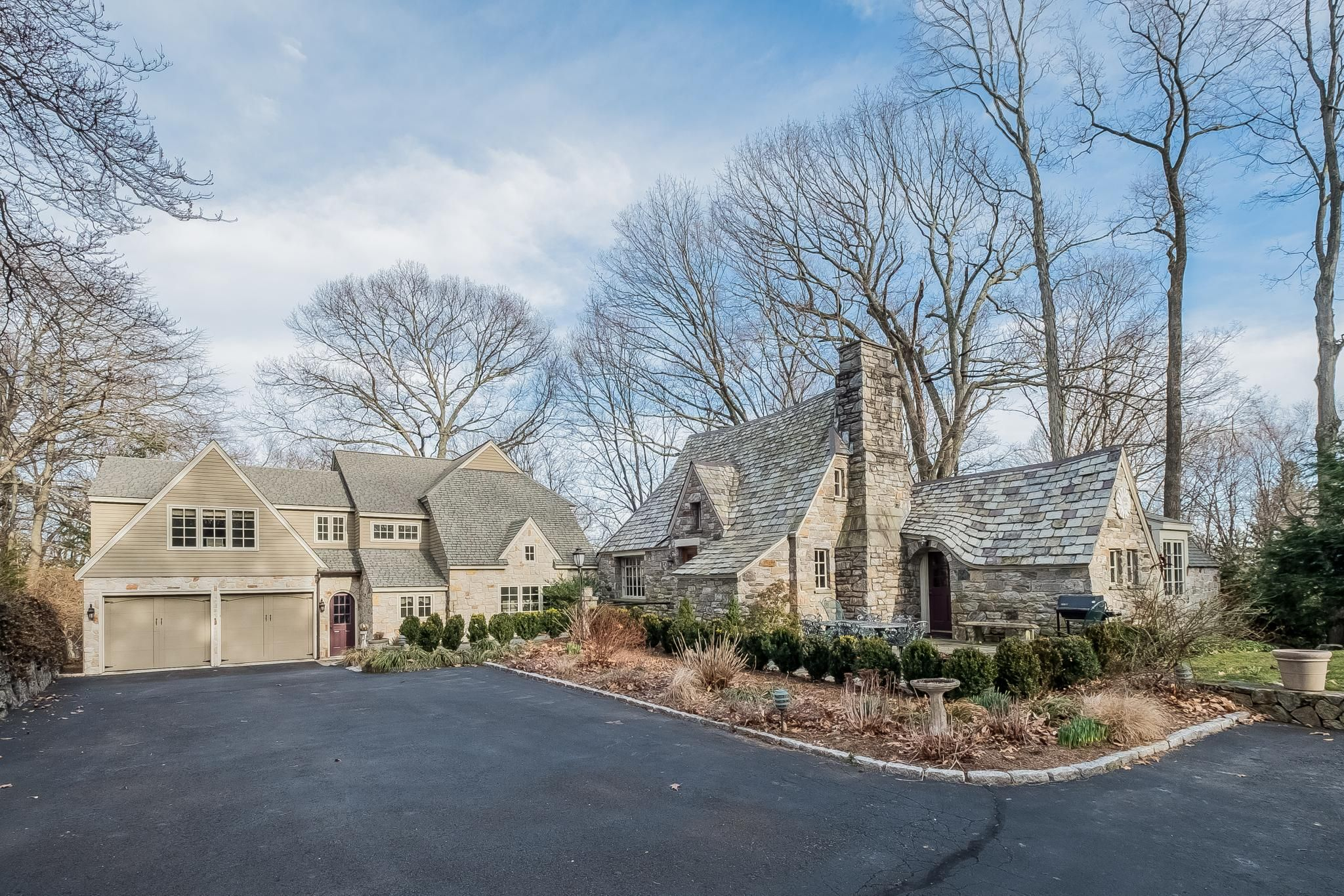 Just Listed   7 April Drive, Westport, CT 06880