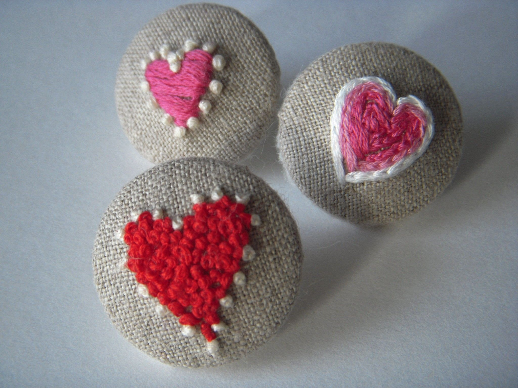 Tiny embroidered hearts Embroidered heart, Sewing crafts