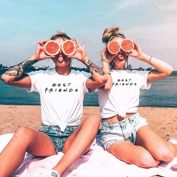 Best Friends T-shirt  Grab tee for you and your bestie
