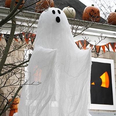 Outdoor Halloween decorations Hang this spooky cheesecloth ghost - outdoor ghosts halloween decorations