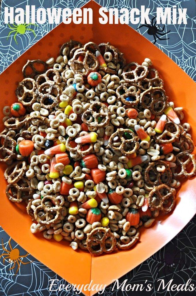 Halloween Snack Mix~ A super easy treat for all those little ghosts