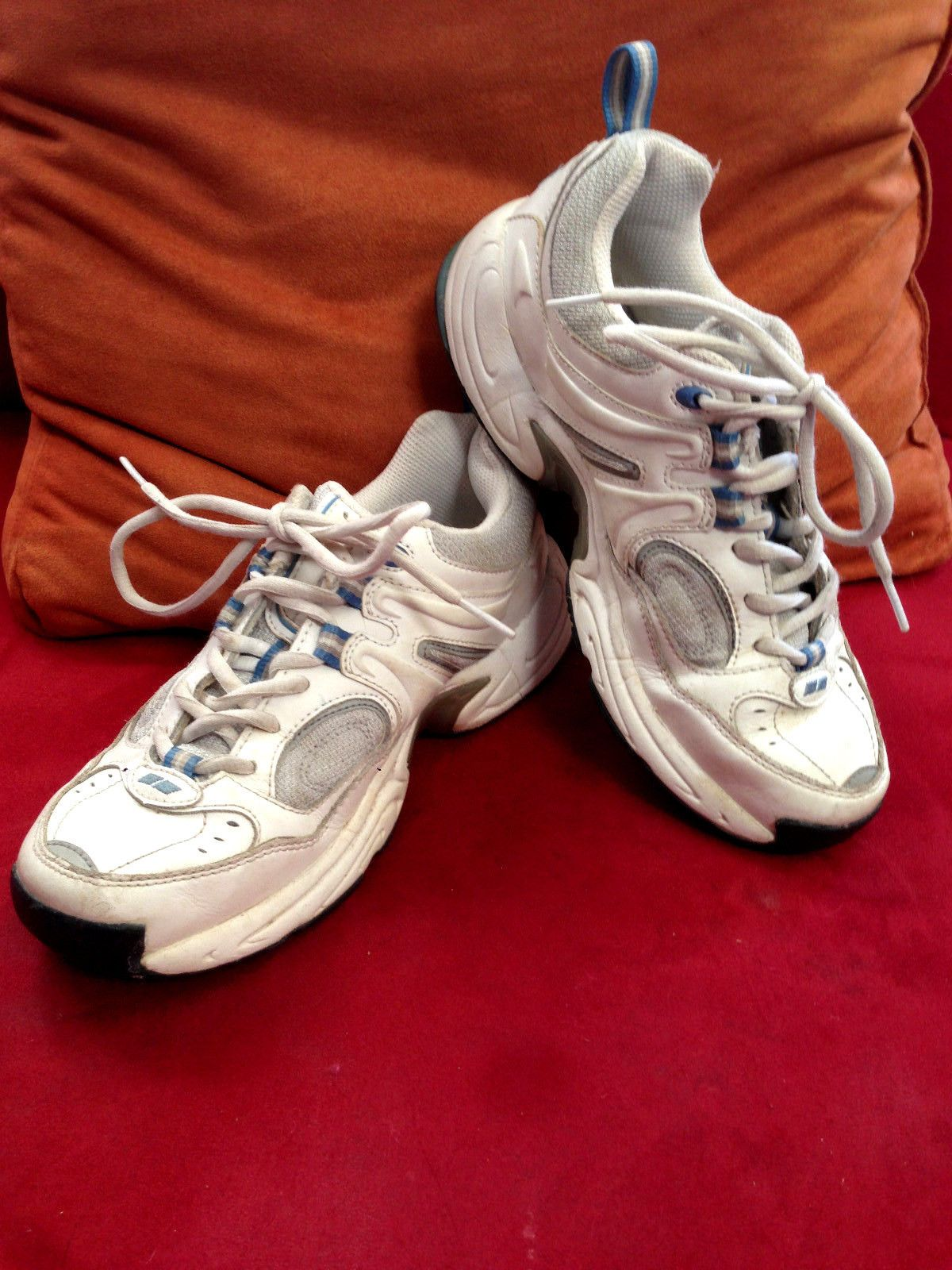 Size 6 Ryka Women's Running Shoes Cross Trainer White/Blue/Silver - Barely Worn https://t.co/ApBxvgRFx1 https://t.co/sDQphNNoPz