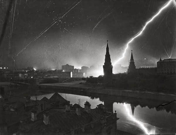 Attacco dell'esercito nazista a Mosca, 1941 - Photo by Margaret Bourke-White