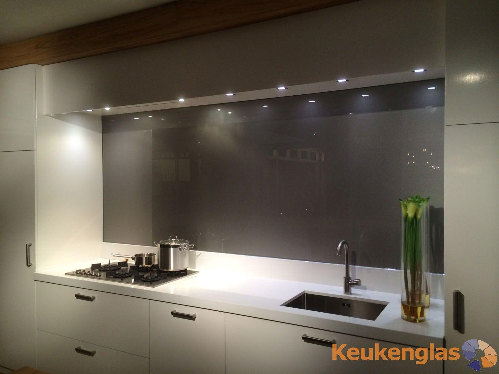 Glazen Keuken Achterwand : Glazen keuken achterwand donkergrijs metallic lighting interior