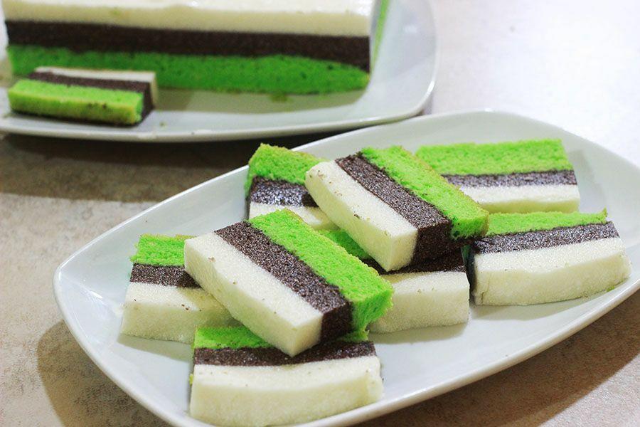 Puding Busa Lapis Cake Adalah Makanan Yang Lezat Terbuat Dari Agar Agar Dipadukan Dengan Cake Lembut Membuat Puding Ini Agak Sedikit Makanan Kue Lezat Resep