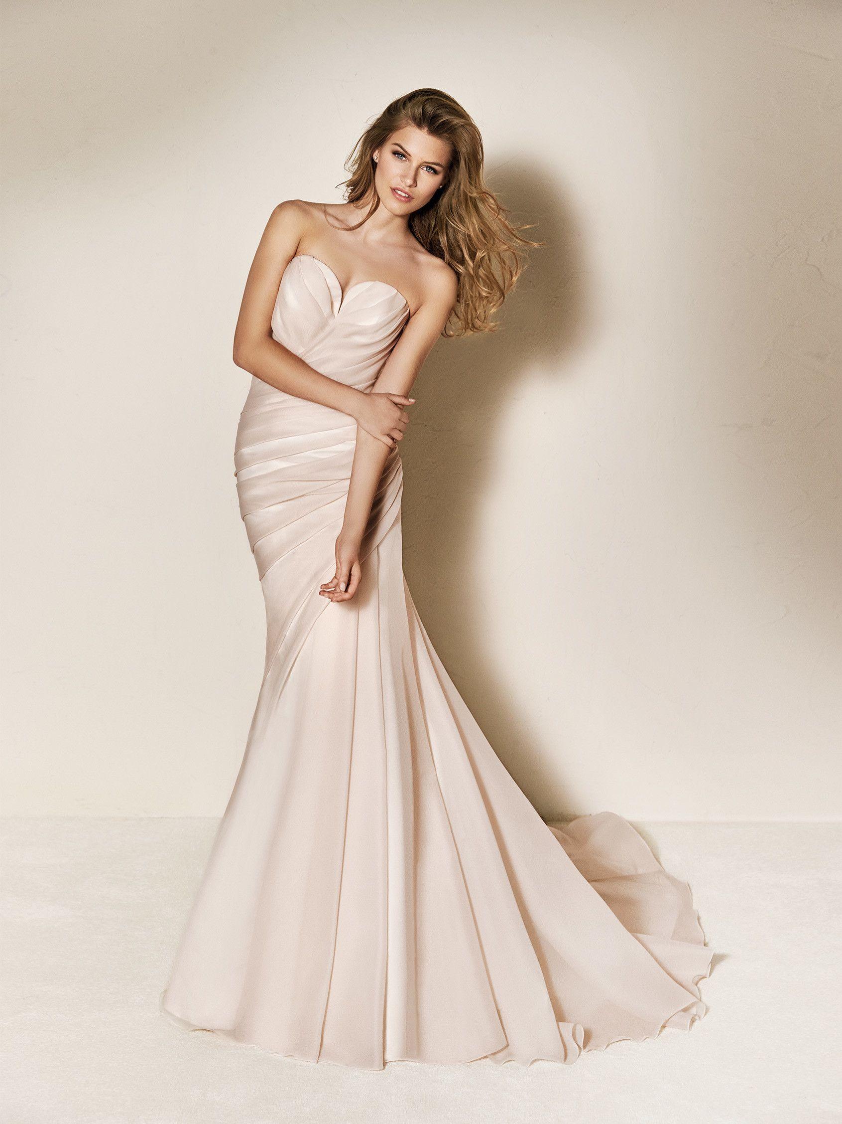 Mermaid dress wedding  Wedding dress pink  Pronovias  Collection  Tiffany Carter