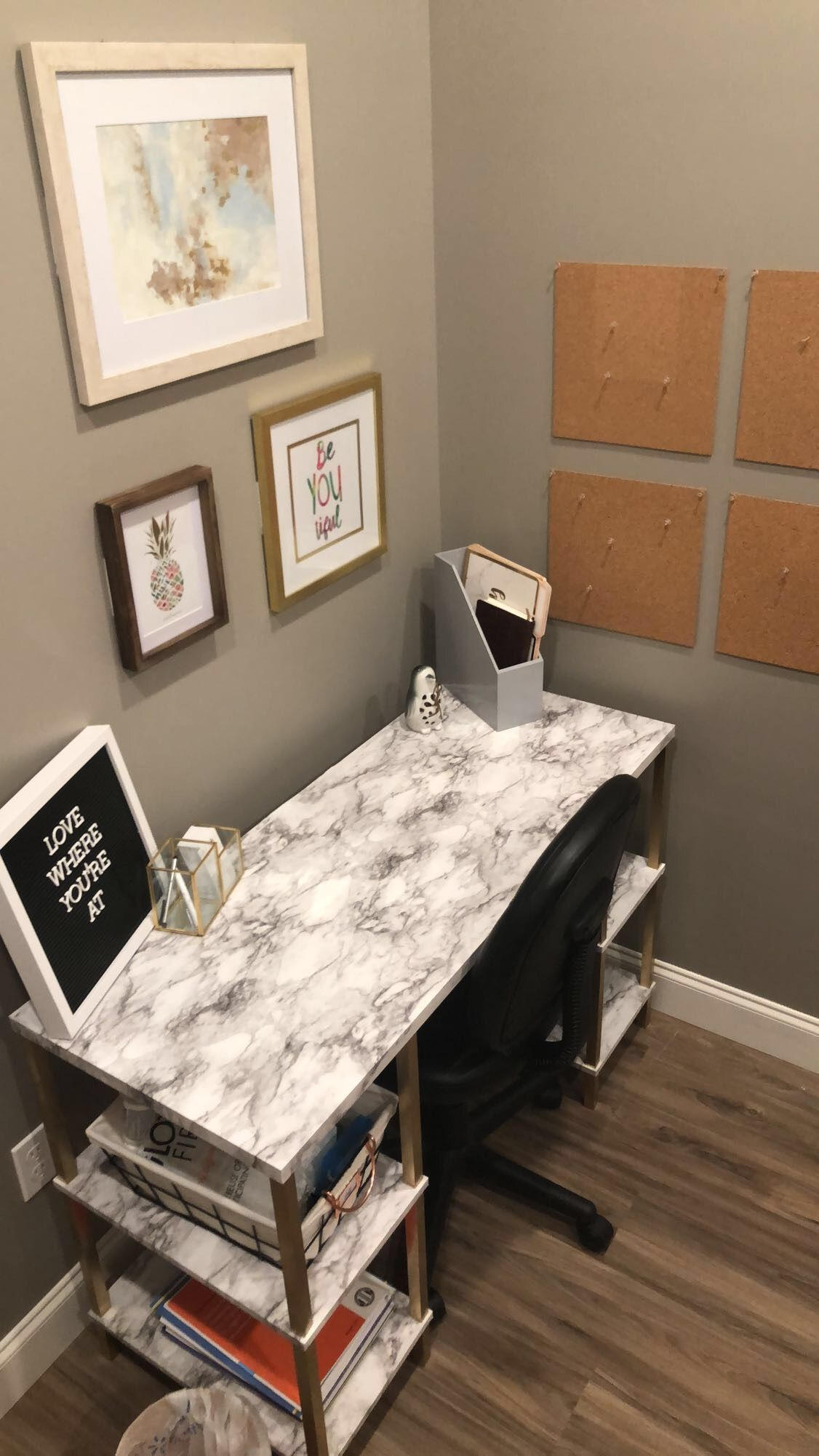Loving This Desk Used Marble Contact Paper And Spray Painted The Legs Metallic Gold Office Diy College Apartment Decor Contact Paper Diy Apartment Decor