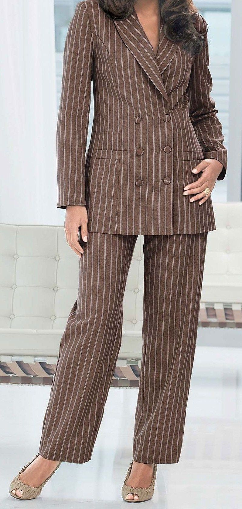 Wearing The Perfect Elegant Pant Suits For Plus Sized Women
