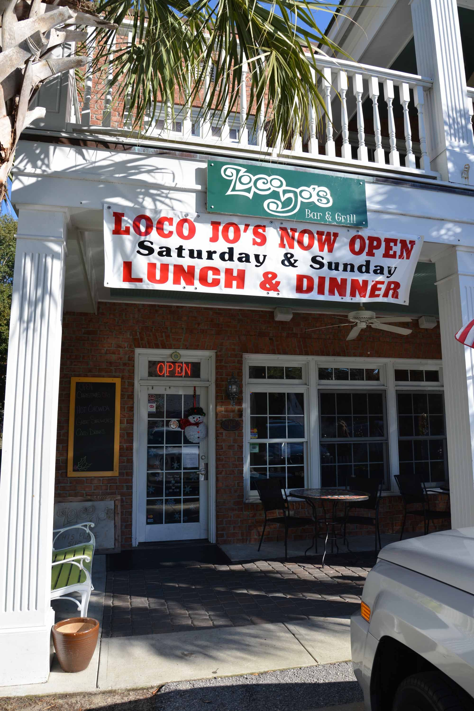 Many Of The Cast And Crew Hung Out At Loco Jos Bar Grill After