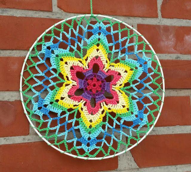 YFP #46. Hoop Art from My World of Crochet - EyeLoveKnots Yarn Favorite from the Yarn Fanatic Party #45