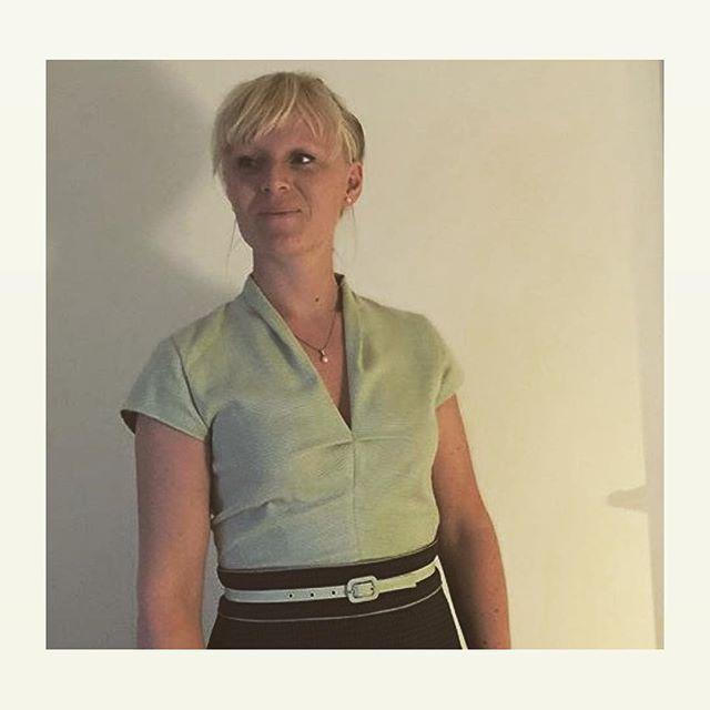 Se nu hvad smukke @alleelskeragnes har syet en #no5århus bluse // look st this beauty in her own #no5aarhus great job  #sewingpattern #howtodofashion #vintagelook #bintagestyle #syning #syselv #sysysy #retrostyle