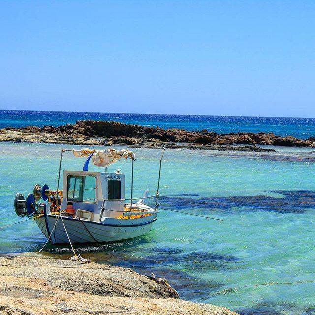 #crete, always a beautiful destination for a perfect holiday.  #beautifulviews #beautifuldestinations #traveltips #travelgram #traveltheworld #travelinspirations #wanderlust #wandering #greece  Photo by @travelinspiration.be  www.travelinspiration.be