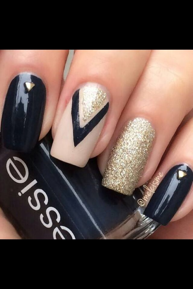 Black, light pink and gold | Beauty: nails | Pinterest | Gold ...