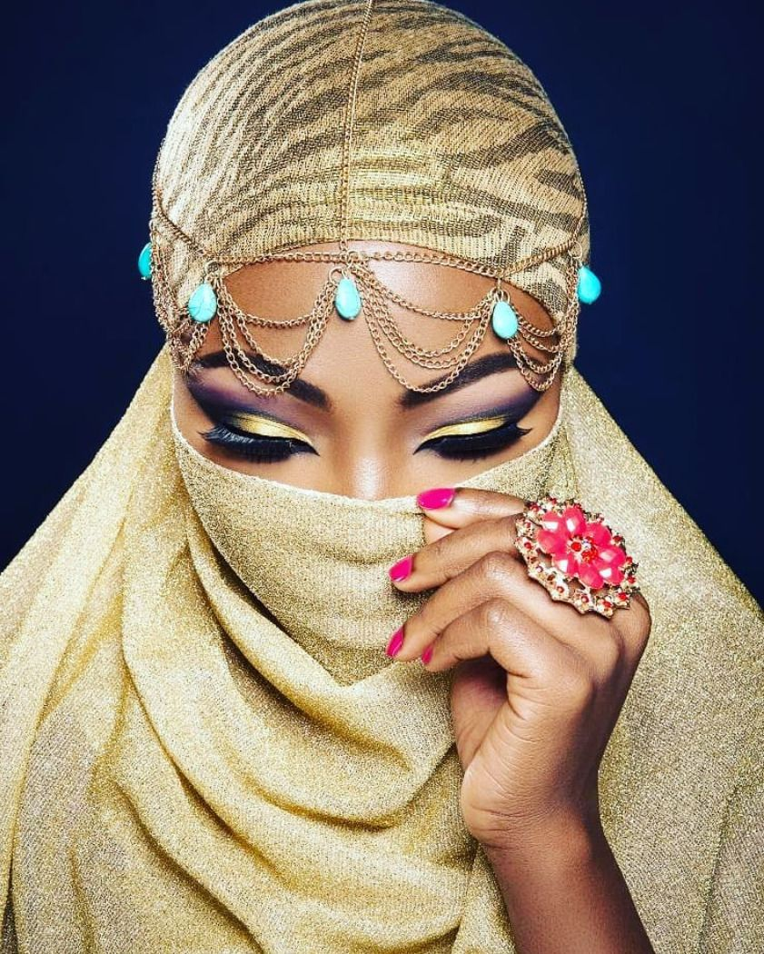 Model: @mebyomotolaPhotography:@femellestudios - #artist #beauty #bellanaijabeauty #blackmuslimah #blackouteid #blackwomeninbusiness #dopeblackmua #femellestudios #london #londonmua #makeup #mebyomotola #nigeria #Nigerian #nigerianmakeupartist #queen #sheisbeautiful #sheisbrilliant #tbt #thebusinessbabes #ukbloggers