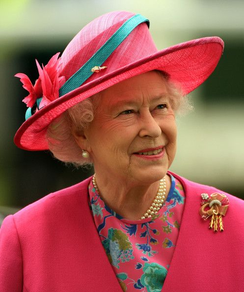 Queen Elizabeth II Photos Photos: Epsom Derby