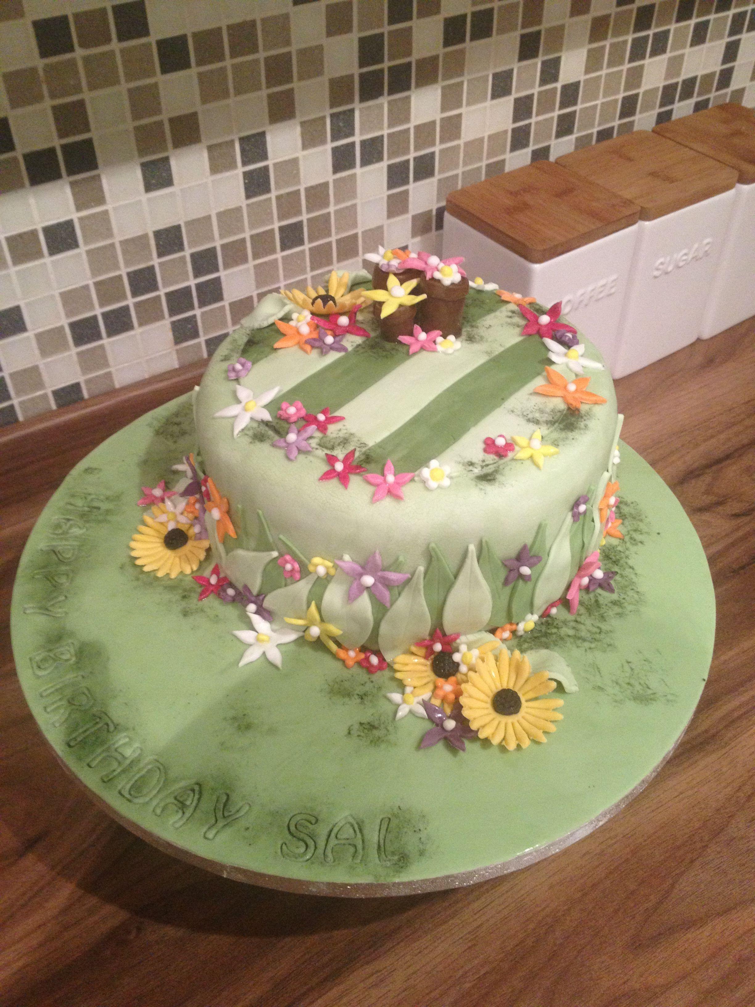 Flower garden birthday cake kerrys homemade cakes pinterest flower garden birthday cake izmirmasajfo
