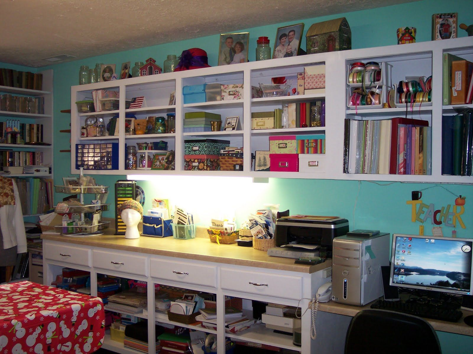 Small art studio design ideas classic scrapbook room Store room design ideas