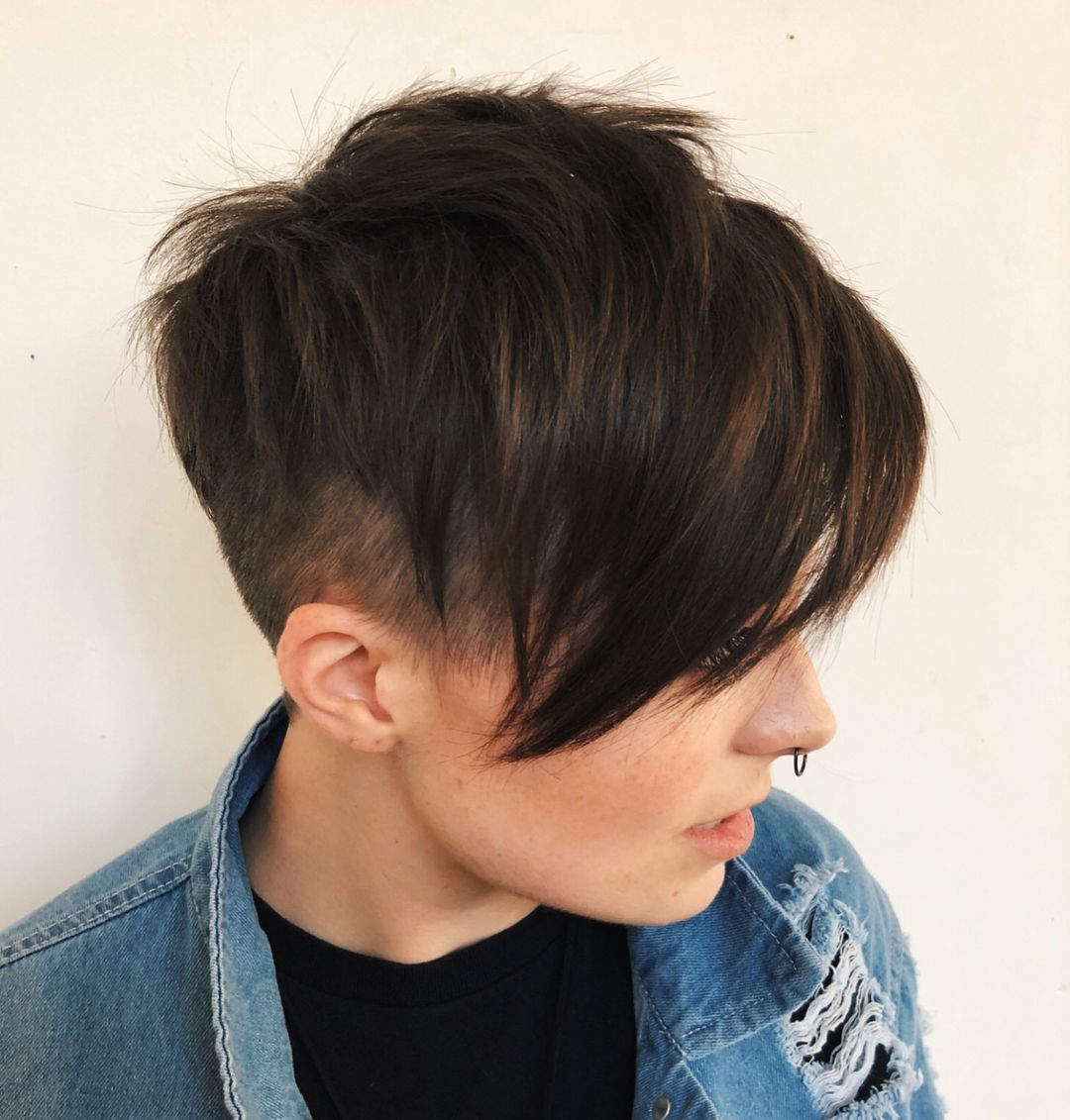 Boy hairstyle look image  statement androgynous haircuts for women in   hair