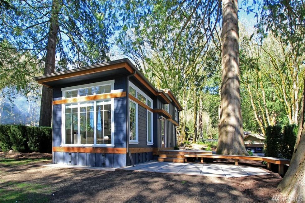 This Tiny House Makes 399 Square Feet Feel Luxurious