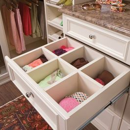 2dbbcc0ddc220 it's like having victoria secret drawers in your closet! | Organized ...