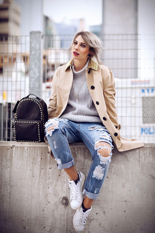 как могли девушки в повседневной одежде на улице литература многочисленны описания