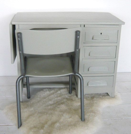 BF090 - Demi ministre desk and chair (light grey)