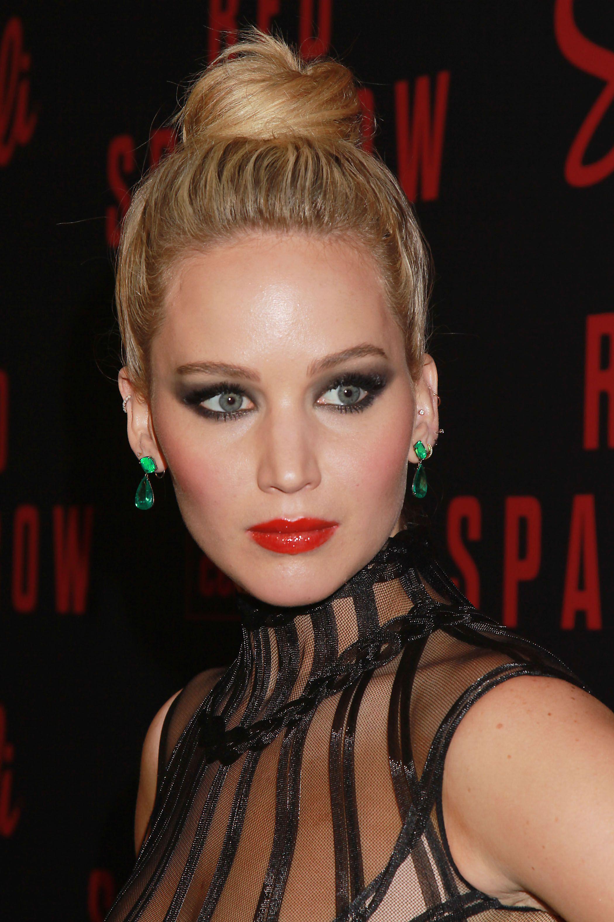 Jennifer Lawrence Proves Mascara Isn't aMust Jennifer Lawrence Proves Mascara Isn't aMust new images