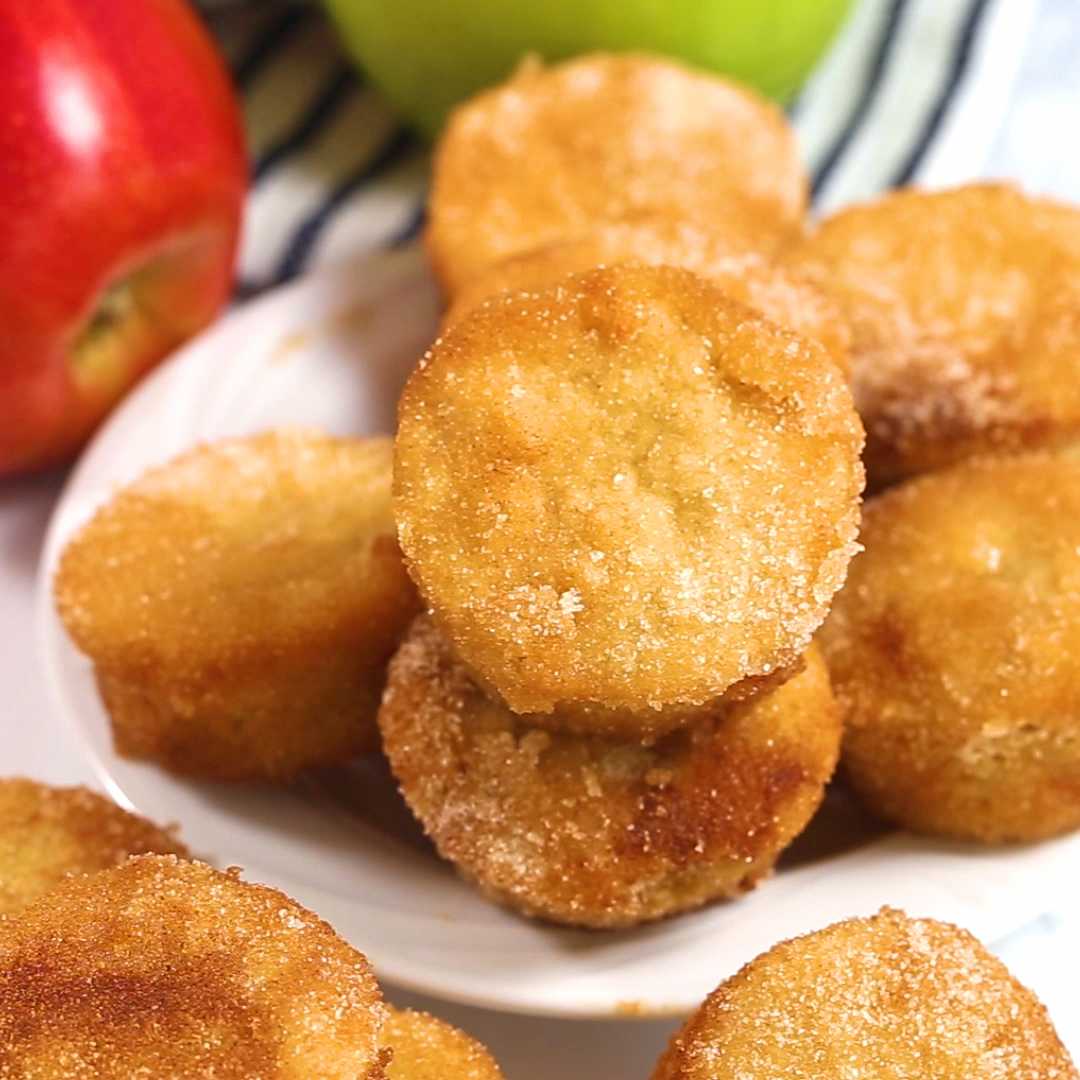 Ket Apple Cider Donut Bites! A delicious and fun way to indulge in the flavor of apple cider donuts, while still staying keto and low carb!