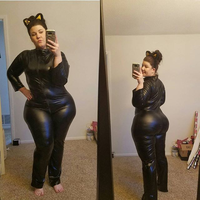 Bbw cat woman using
