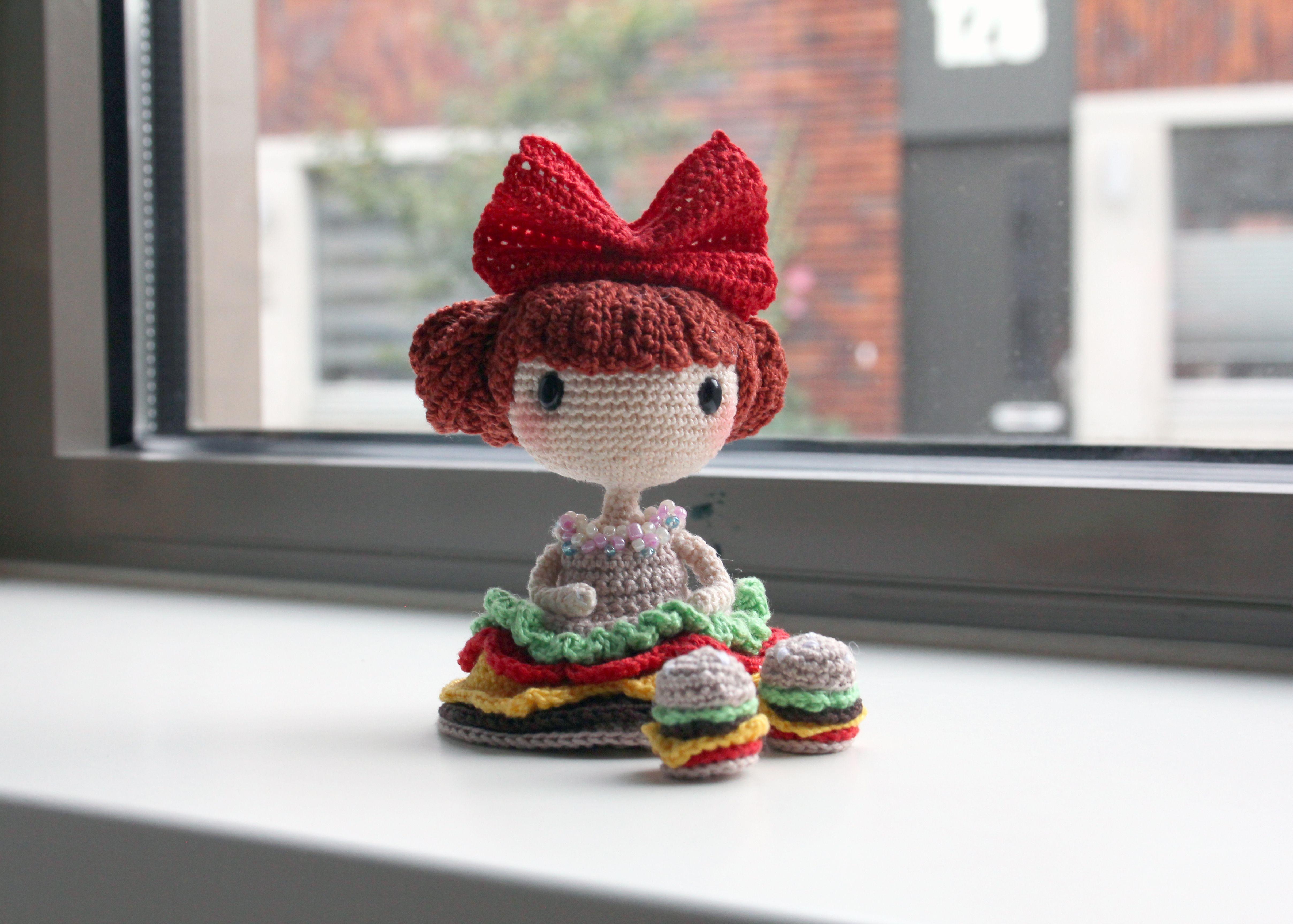 Amigurumi Doll Anime : Lily the hamburger ❤ one of the shia dolls amigurumi crochet