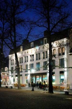 Hotel derlon maastricht the netherlands 45 rooms for Designhotel holland