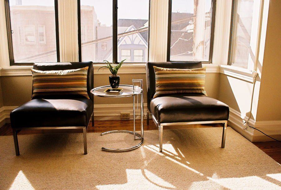 Eileen Gray Beistelltisch adjustable table e1027 classicon es ist der berühmteste