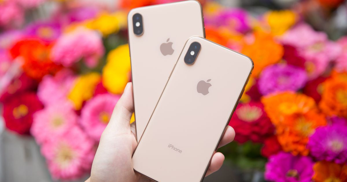 Http Goo Gl Kyxjod The Iphone 11 Might Have 3 Cameras To Compete With Samsung And Huawei Phones Ahmedserougi Iphone Iphone Event Huawei Phones
