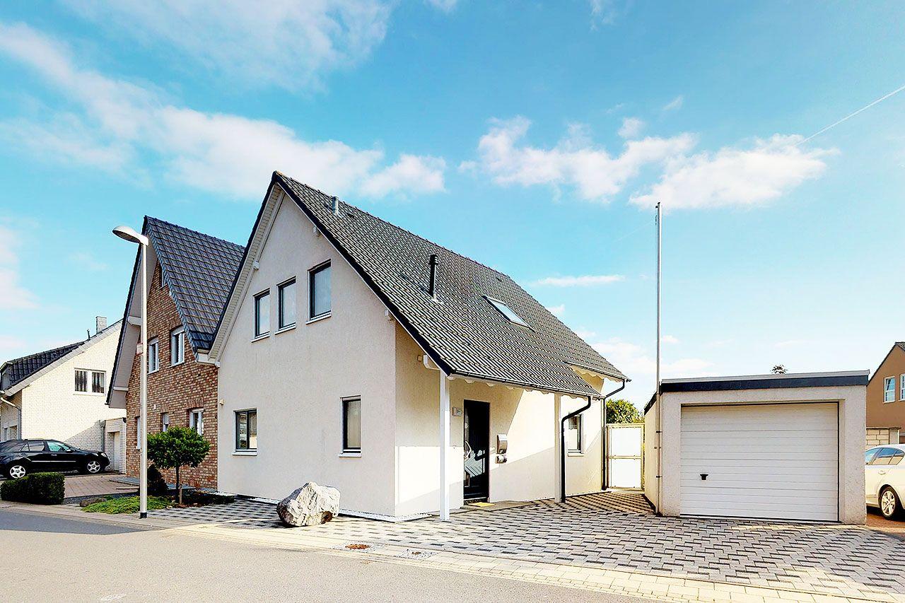 Phi Aachen Hochwertiges Wohlfühlhaus Mit Viel Licht Und