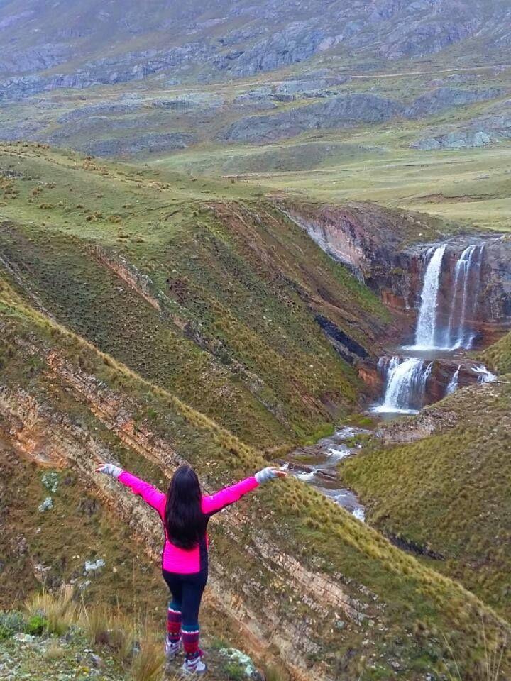 Cascada Carispaccha, Distrito de Marcapomacocha - Provincia de Yauli, Región Junín, Perú.