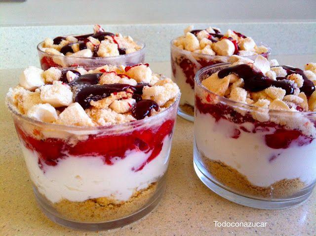 Vasito de fresas, merengue, y mascarpone