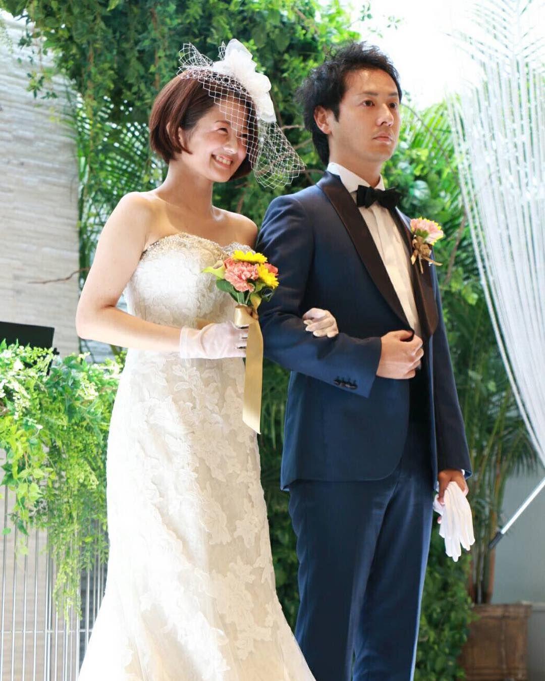 式 結婚 て て 笑っ こらえ