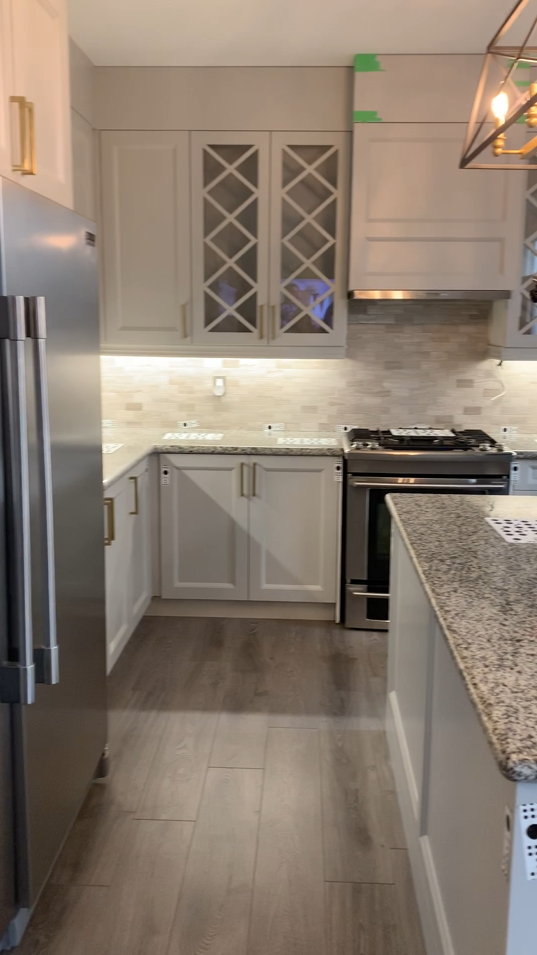 Beautiful quartz countertops for a recently renovated kitchen. #kitchen #quartz #quartzcountertops #countertops #kitchencountertops #freshcountertops