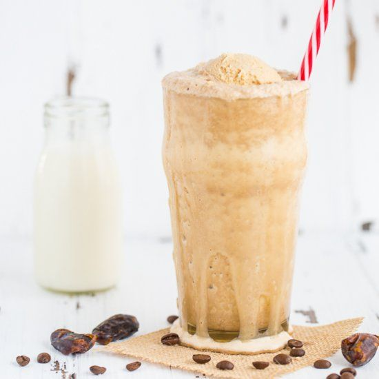 This Darlo cold brew coffee caramel frappe is the perfect wholesome treat to cool you down this summer!